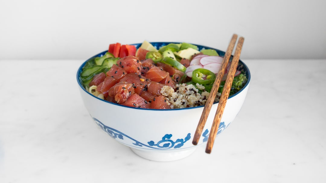 Poke bowl from the side