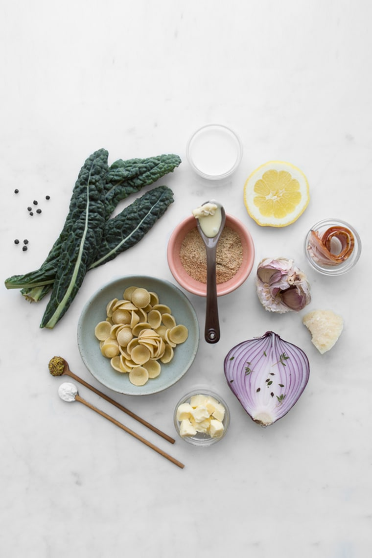Ingredients to make camembert and kale mac and cheese