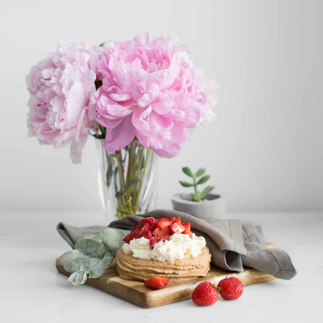 strawberry maple pavlova