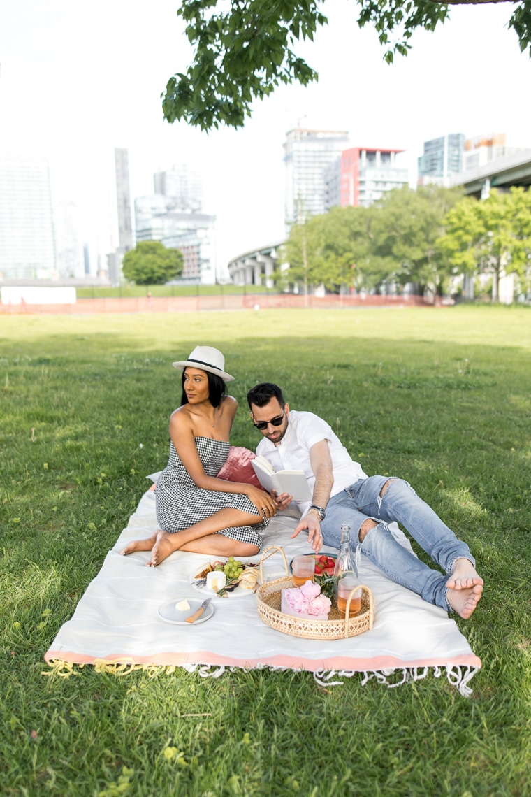 Couple having a picnic in the city